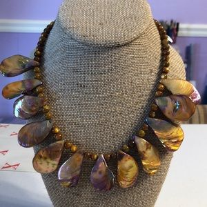 Amber Teardrop Shell Necklace.